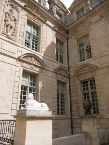 Hôtel de Sully- Le Marais